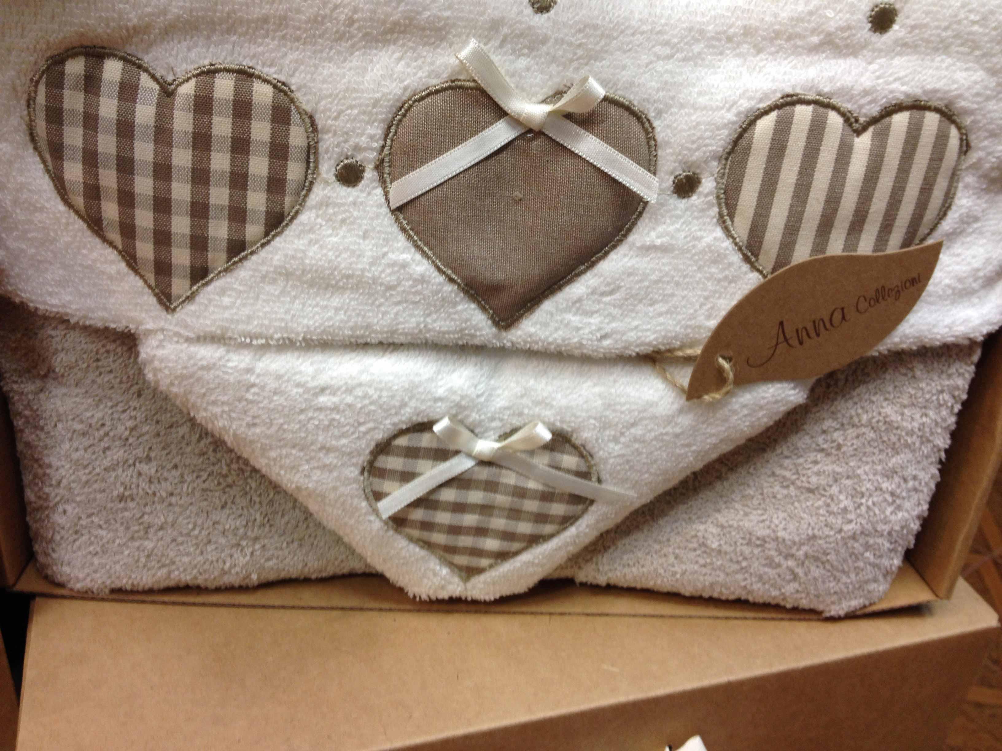 asciugamani-confezione-regalo-innamorati-tessuti